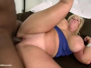 Plump White Wife Zoey Andrews Cuckold with BBC