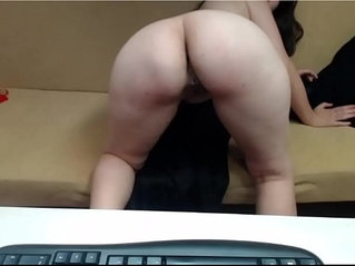Mature Romanian playing with herself on cam
