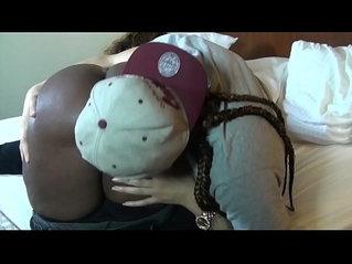 BEAUTY DIOR LICKS THAT YOUNG CHICAGO REDBONE PUSSY