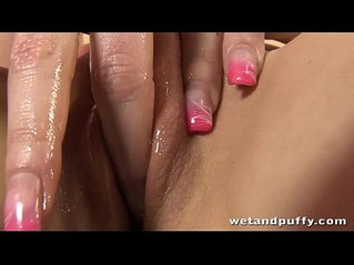 Nessy And Her Wet Puffy Peach Cum For You