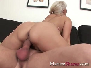 Big dick for natural mature pussy